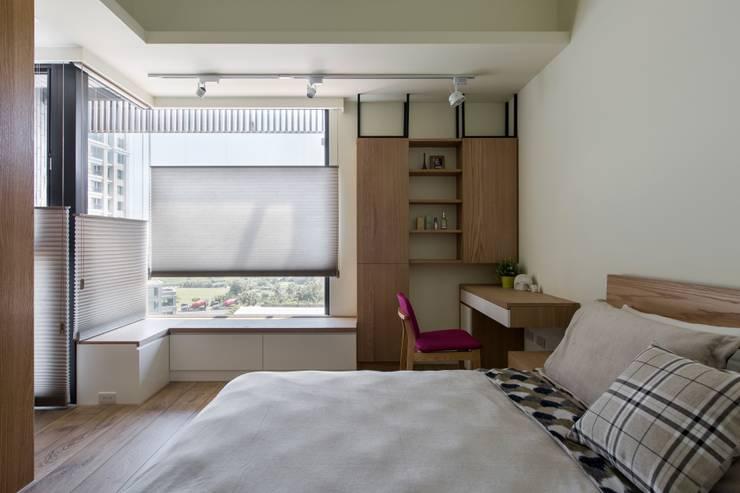 Bedroom by 詩賦室內設計
