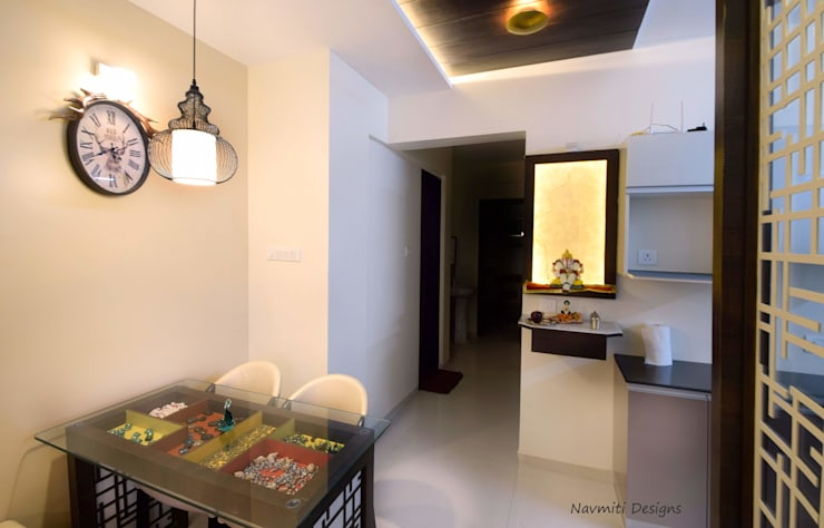 Puja Unit:  Corridor & hallway by Navmiti Designs