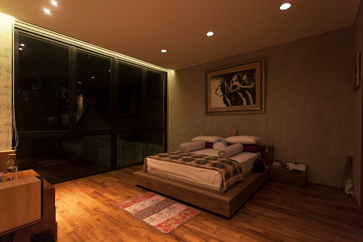 Tulodong IV :  Kamar Tidur by WOSO Studio