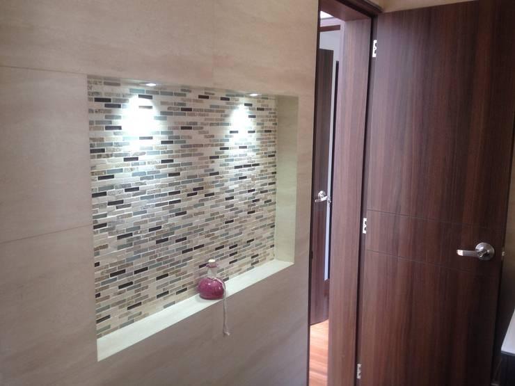 Acabados con azulejo: Baños de estilo  por Erick Becerra Arquitecto, Moderno Azulejos