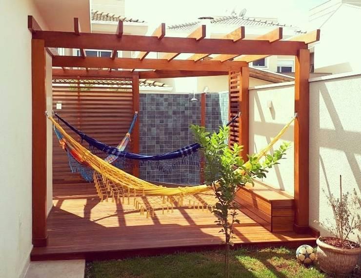 Pergolado e deck!: Jardins  por Vanessa Vosgrau Arquitetura