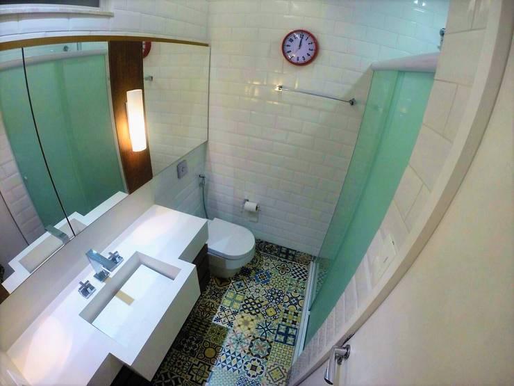 Projeto RL | Flamengo: Banheiros  por CORES - Arquitetura e Interiores