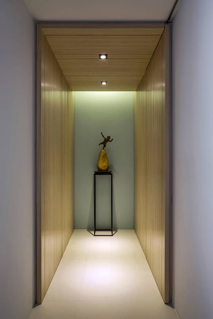 時間:  走廊 & 玄關 by 詩賦室內設計