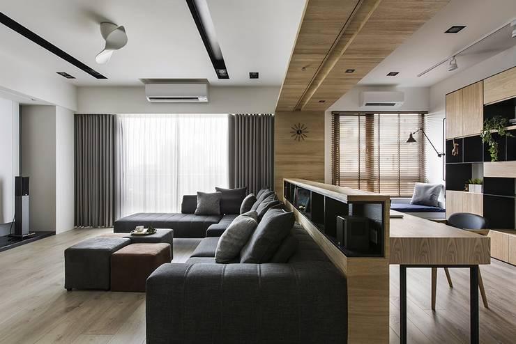 Salon de style  par 詩賦室內設計, Scandinave