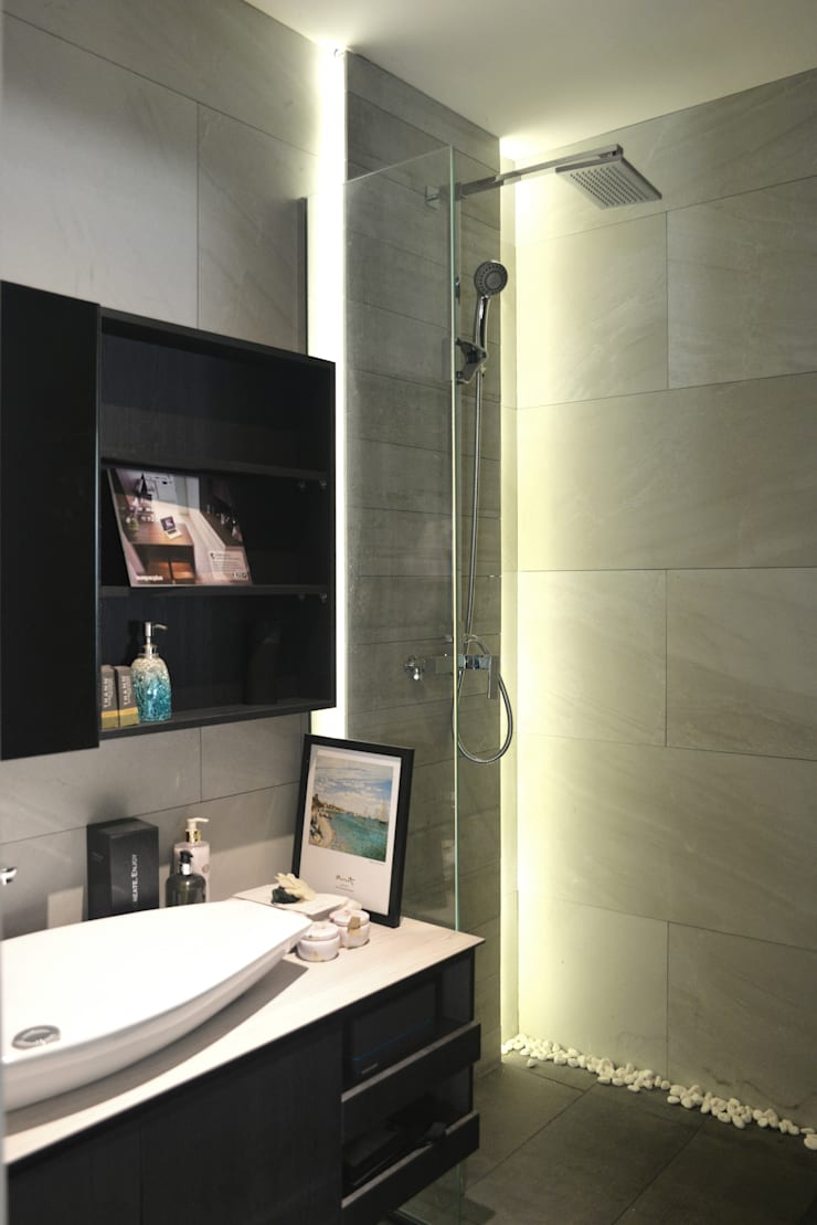 Industrial Modern Contemporary Modern bathroom by Singapore Carpentry Interior Design Pte Ltd Modern
