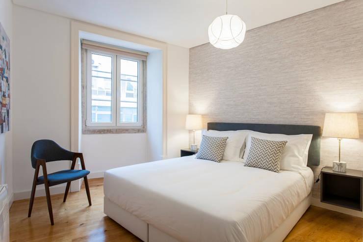 Suite: Quarto  por Traço Magenta - Design de Interiores