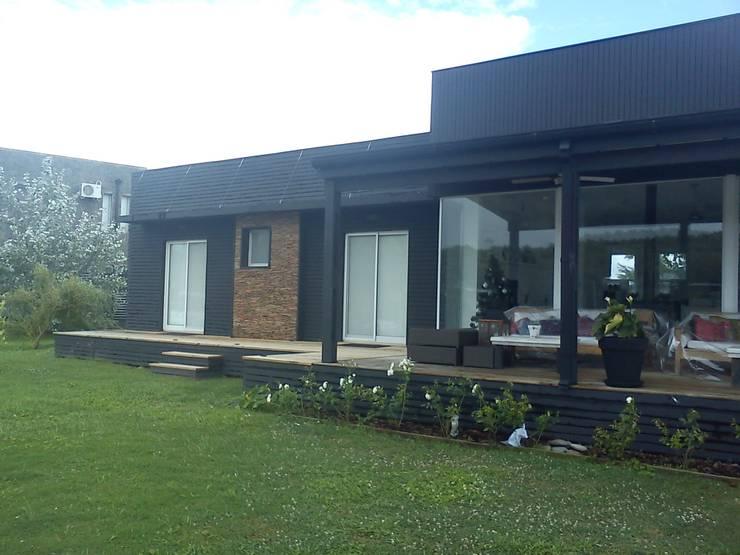 Casa en el Delta Casas modernas: Ideas, imágenes y decoración de 2424 ARQUITECTURA Moderno