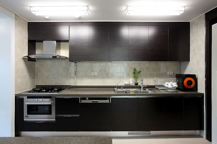 modern Kitchen by Design Mind Mirae