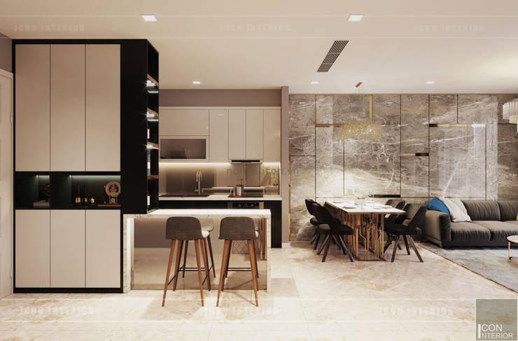 Sang trọng đẳng cấp với nội thất mạ Titan trong căn hộ Vinhomes Golden River:  Nhà bếp by ICON INTERIOR