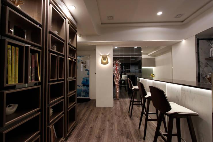 小空間機能大無限:  書房/辦公室 by 大漢創研室內裝修設計有限公司