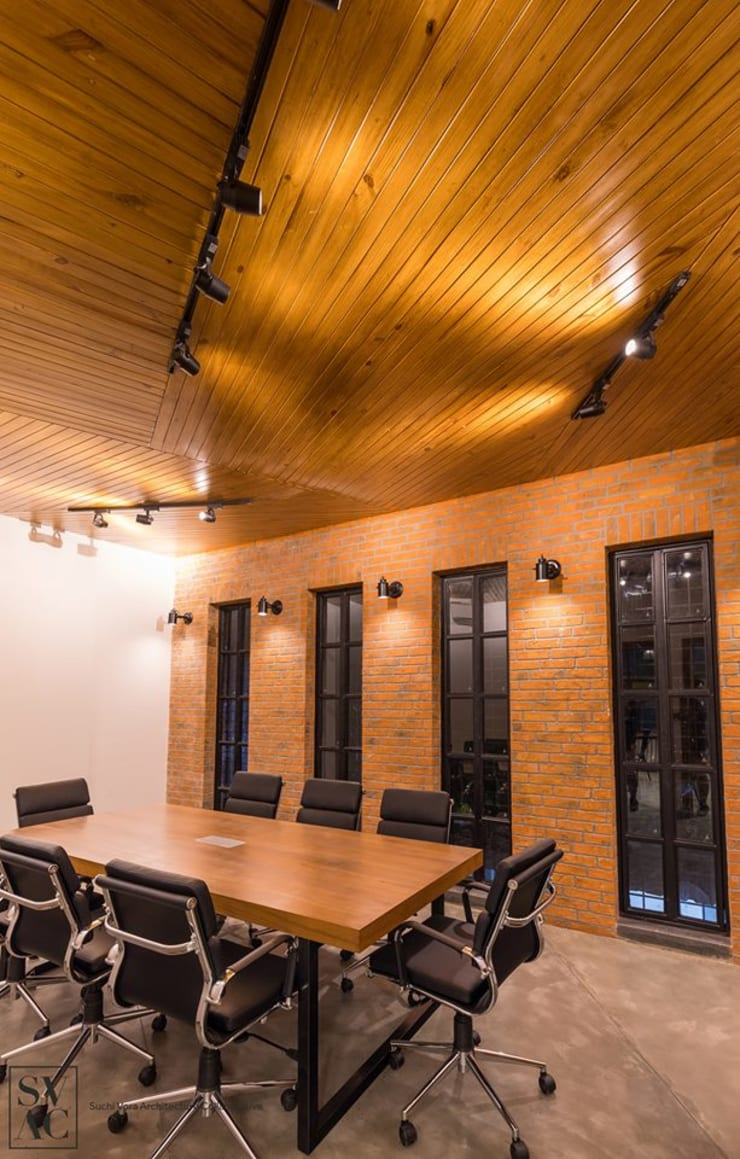 Conference Room:  Commercial Spaces by SVAC  -  Suchi Vora Architecture Collaborative,Industrial