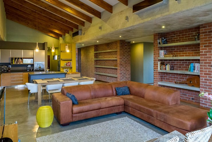 LIVING ROOM:  Living room by ENDesigns Architectural Studio, Modern Bricks