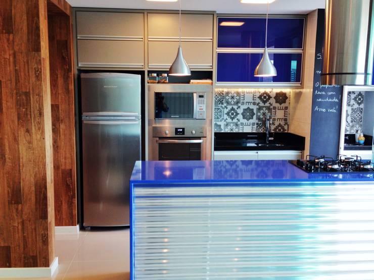 Cozinha : Armários de cozinha  por Form Arquitetura e Design
