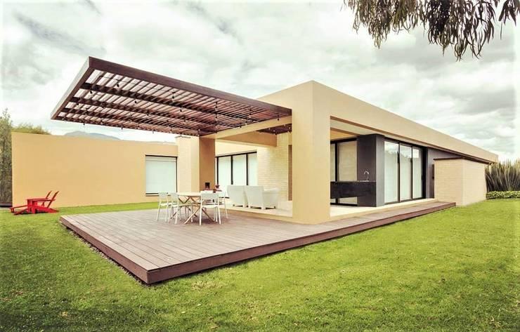 Casa H: Casas de estilo minimalista por David Macias Arquitectura & Urbanismo