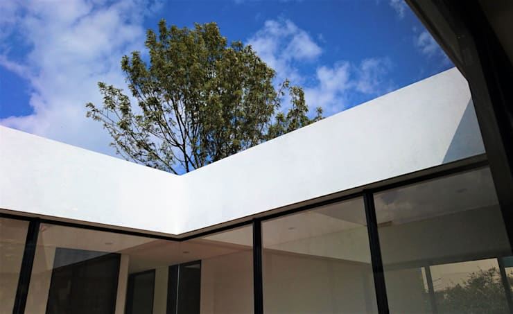 Casa el Molino: Ventanas de estilo  por David Macias Arquitectura & Urbanismo, Minimalista