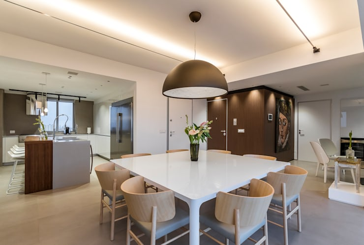 Dining room by Design Group Latinamerica