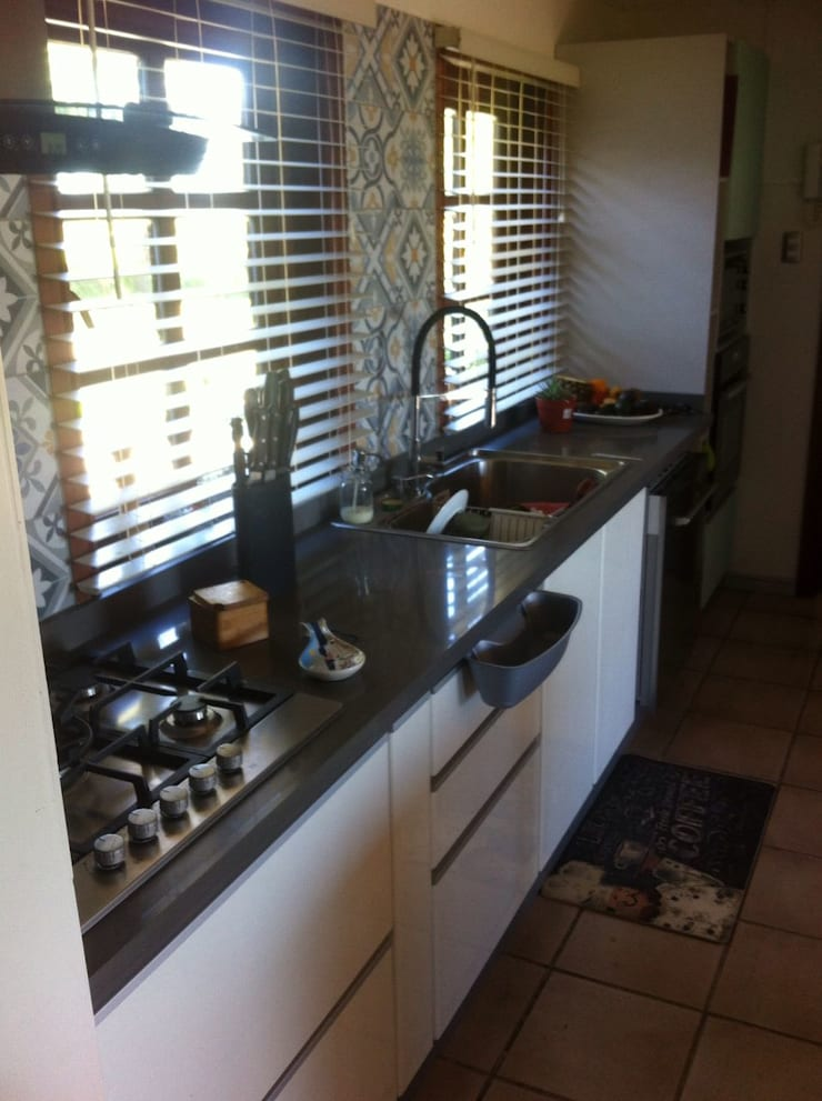 Muebles de cocina Llanquihue, Chile: Cocina de estilo  por Quo Design - Diseño de muebles a medida - Puerto Montt
