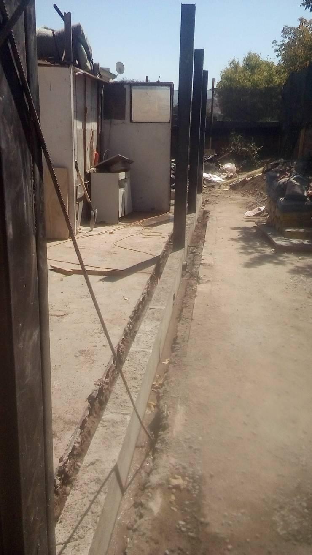 Muro perimetral. Albañileria confinada:  de estilo  por MSGARQ