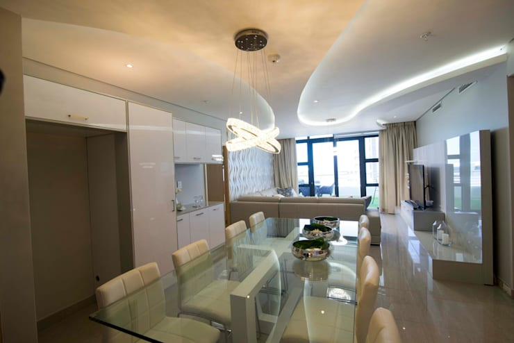 White Modern 3 Bedroom Apartment:  Dining room by Adore Design