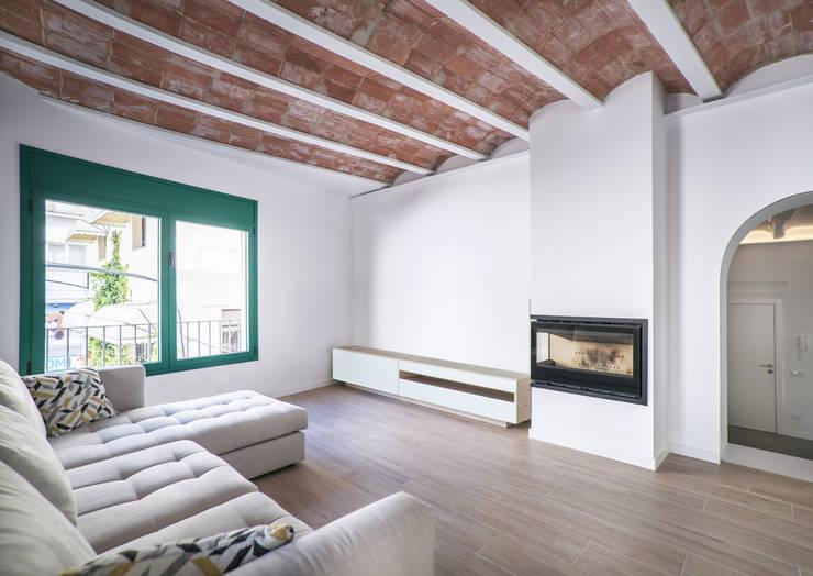 غرفة المعيشة تنفيذ LaBoqueria Taller d'Arquitectura i Disseny Industrial