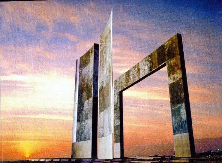 Hito al Tropico de Capricornio- Antofagasta- Chile:  de estilo  por  Arquitectos Roman&Toledo
