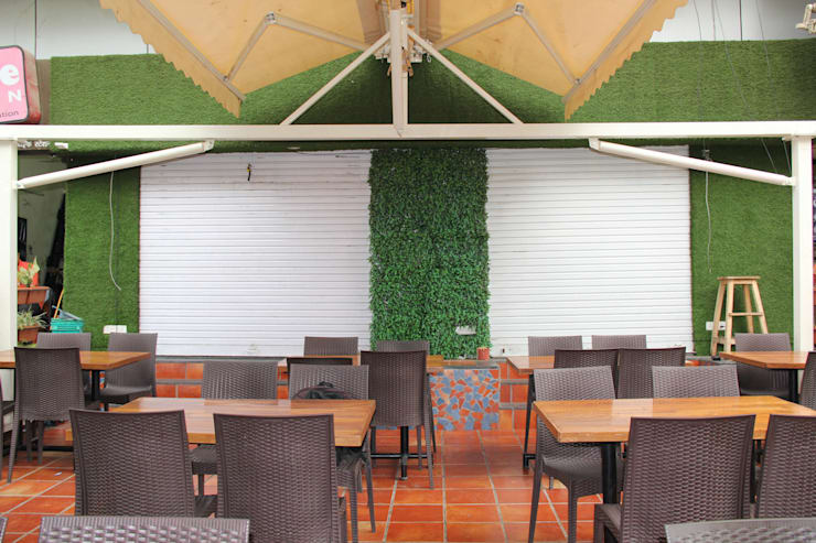 Little Punjab Restraraunt , Dhayari , Pune:  Bars & clubs by Finch Architects,Rustic