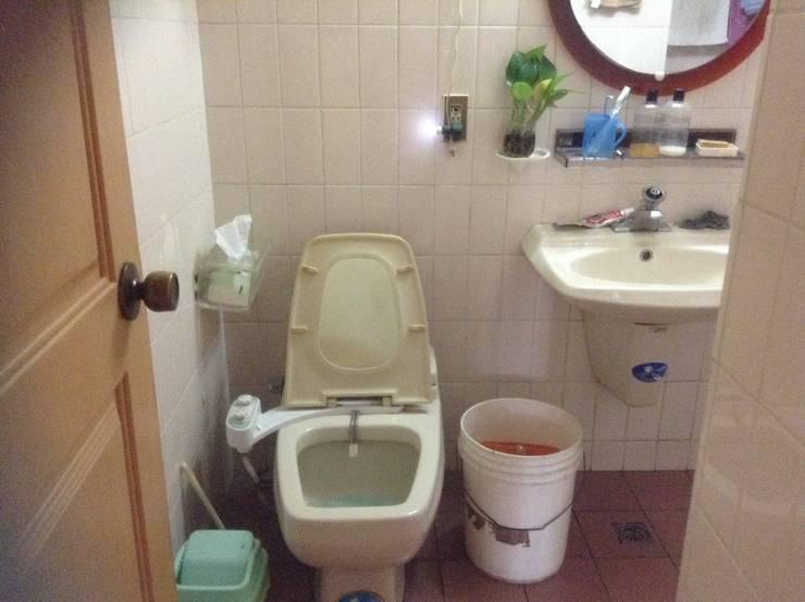 原廁所現況:  浴室 by 果仁室內裝修設計有限公司
