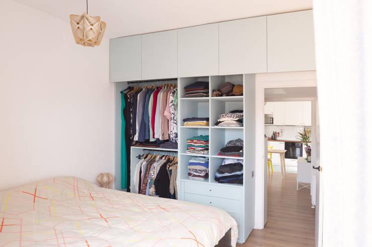 Dormitorios de estilo  por CLAAAC interiorismo y diseño