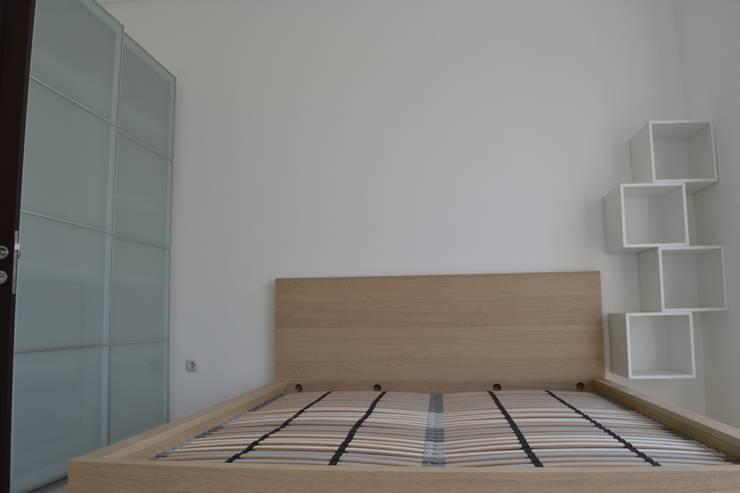 Bedroom by Dekapolis Design