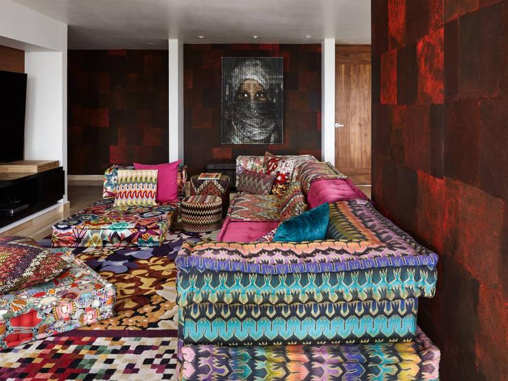 Harmony and Balance in the heart of Polanco, Mexico City. : Salas de estilo  por Progressive Design Firm
