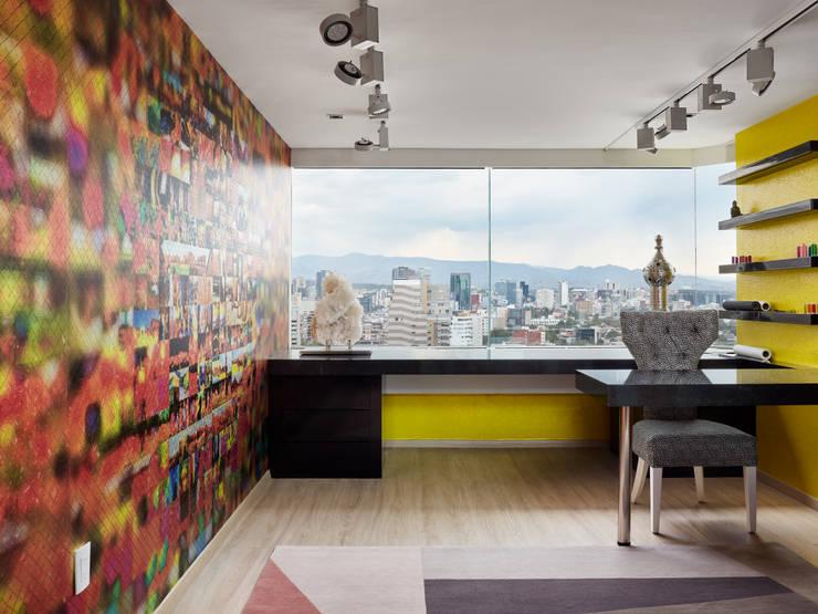 Oficinas de estilo  por Progressive Design Firm