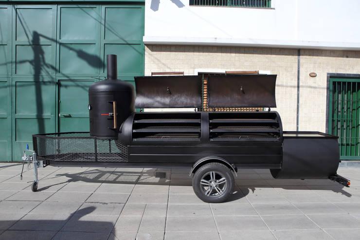 Ahumador de carne Jaguar:  de estilo  por Smoke King Ahumadoras,Rústico Hierro/Acero