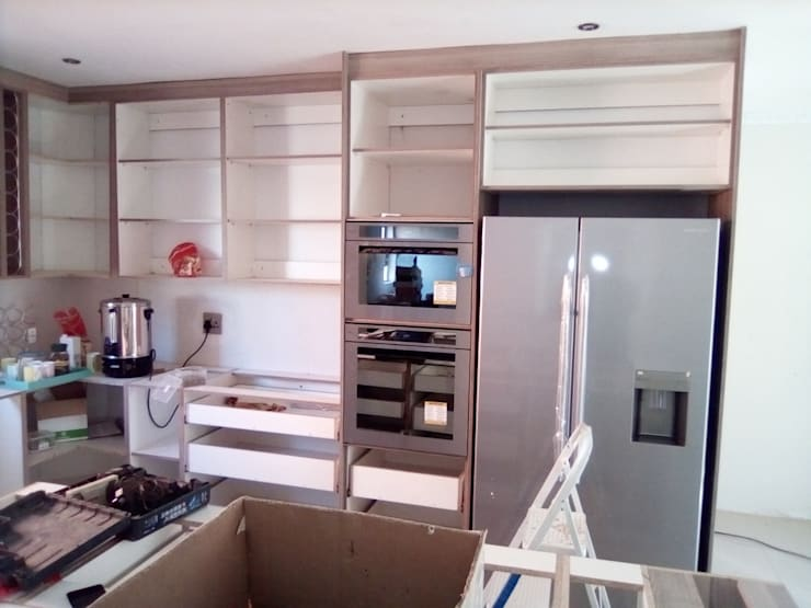 Fitting wall units:   by Pulse Square Constructions