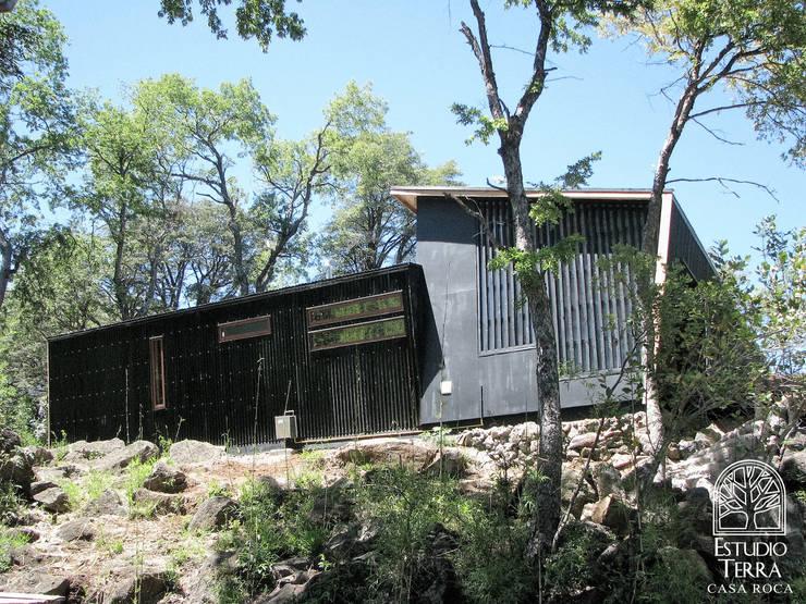 Casa Roca: Casas de estilo  por Estudio Terra Arquitectura & Patrimonio