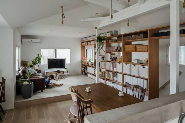 Wohnzimmer von ALTS DESIGN OFFICE