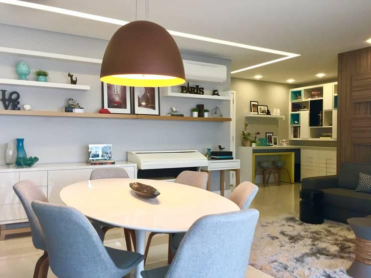 Modern dining room by Donna Design Modern