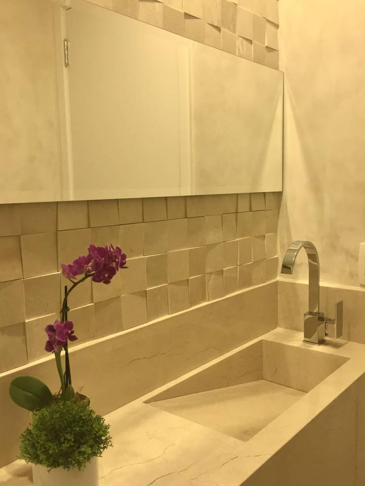 Modern bathroom by Donna Design Modern