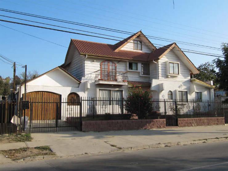 Casa Toro: Casas de estilo  por Lau Arquitectos
