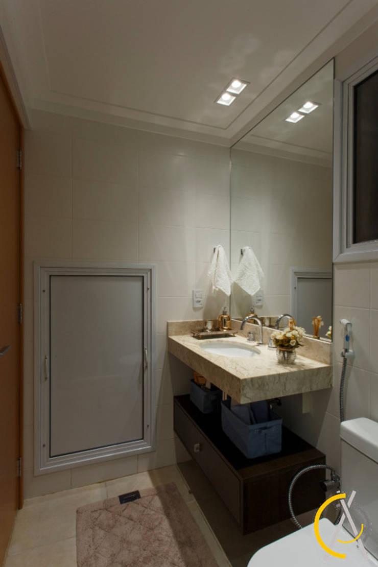 Quarto visita!: Banheiro  por Arquiteta Carol Algodoal Arquitetura e Interiores,