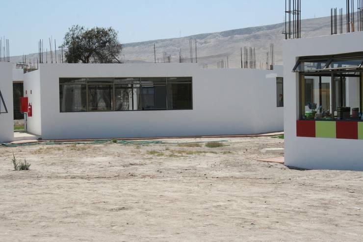 COLEGIO AZAPA VALLEY SCHOOL-ARICA: Estudios y biblioteca de estilo  por AOG