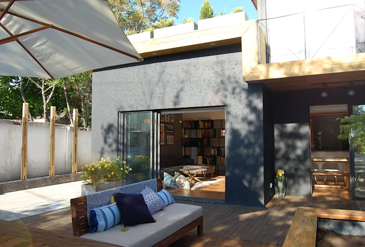 Terraza:  de estilo  por Estudio Mínimo Arquitectura y Construcción Ltda.