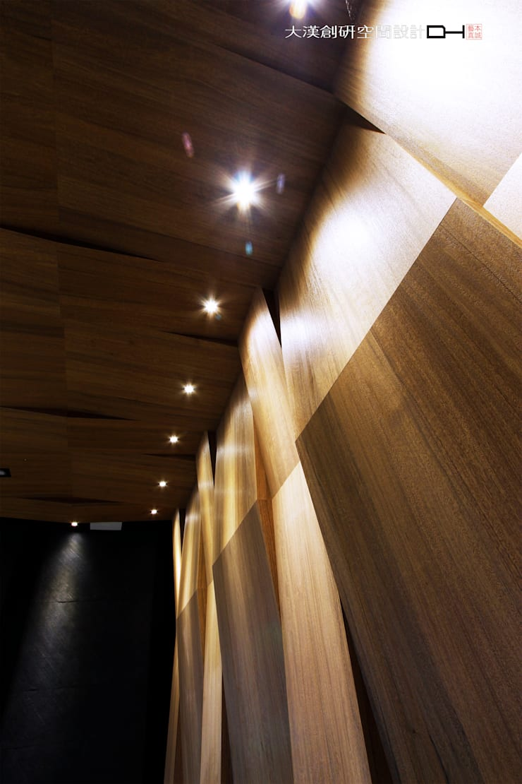 光視覺.摺 Asian style conference centres by 大漢創研室內裝修設計有限公司 Asian Wood-Plastic Composite