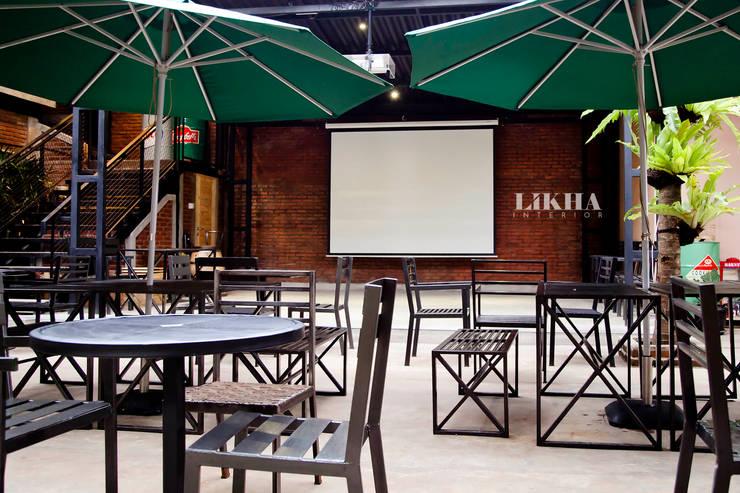 Pasar Cisangkuy (Outdoor Area):  Restoran by Likha Interior