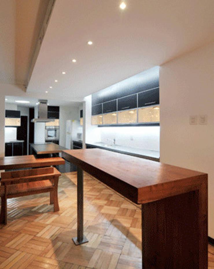 Remodelación Parque Forestal: Muebles de cocinas de estilo  por Nicolas Loi + Arquitectos Asociados