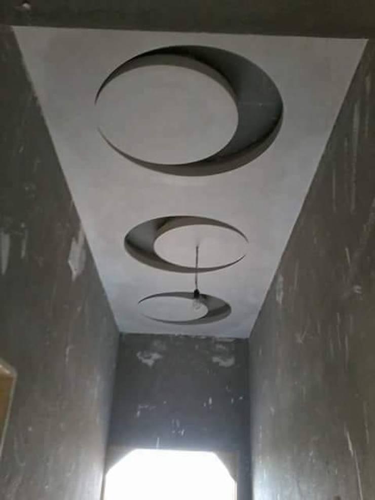 Foyer area:   by classicspaceinterior