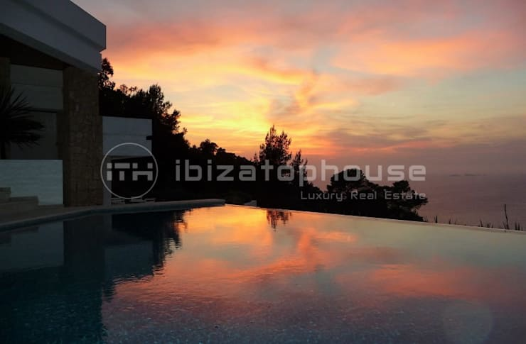 villa ibiza:  Houses by ibizatophouse