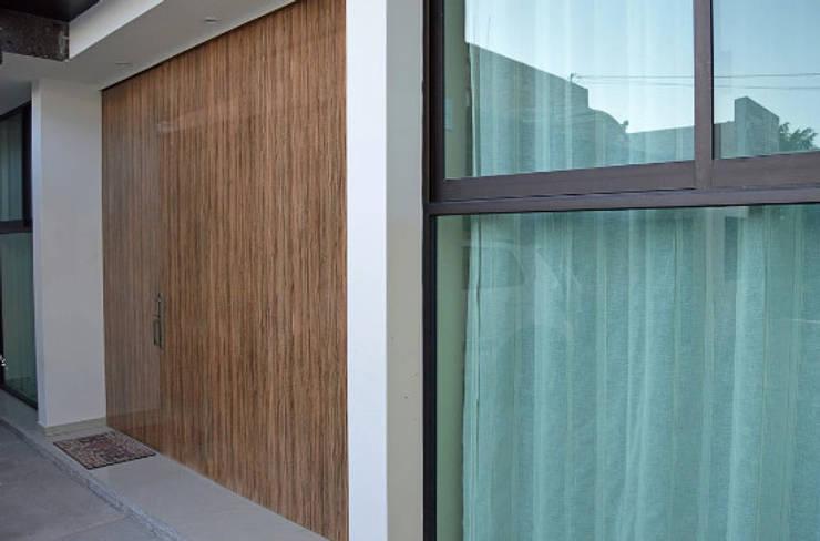 Shutters by Zona Arquitectura Más Ingeniería