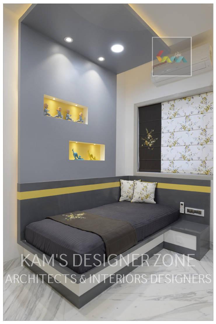 Kids Room Interior Design:  Teen bedroom by KAM'S DESIGNER ZONE,Modern