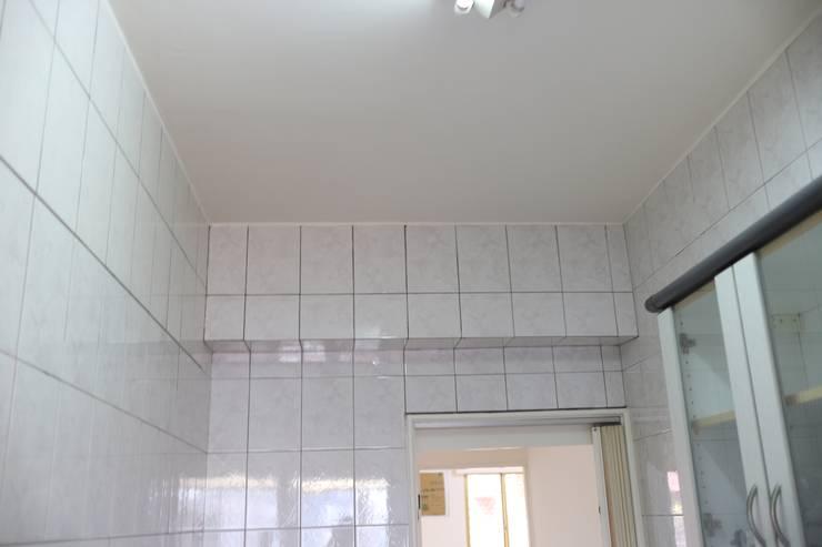 廚房:   by 致室內設計個人工作室