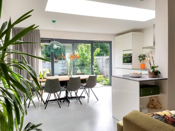 Interieur (2):  Eetkamer door Bolier Ontwerp & Bouwregie, Modern